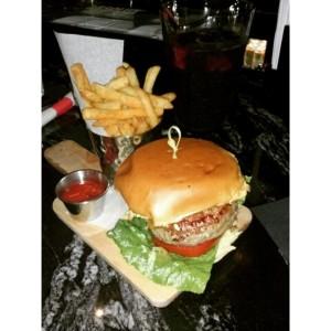 loft 142 burger